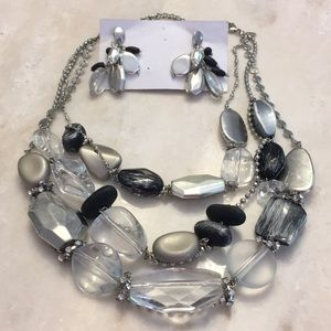 Stunning Chico's necklace and earrings set